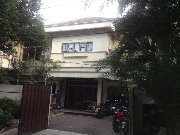 """The not so orange """"orange House"""" in Jalan Balitung"""