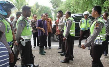 Kisah Dua Polantas Yang Menghentikan Iring-Iringan Mobil Gubernur NTT | Share With Irfan